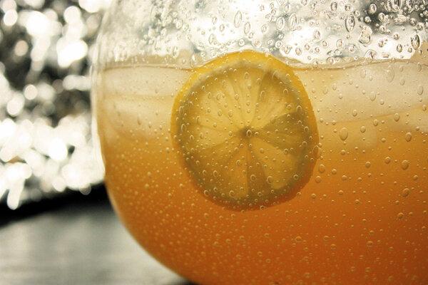 Лимонад апельсиновый Домашний лимонад на основе натуральных ингредиентов, прекрасно утолит  жажду. Вкусный, сладкий, б..