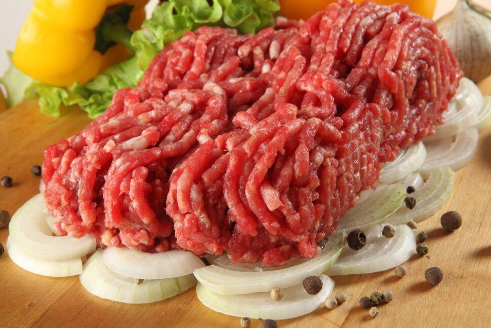 Купить фарш домашний Прокрученный специально по вашему заказу из свежего мяса высшей категории. Содержит 50% свинины и..