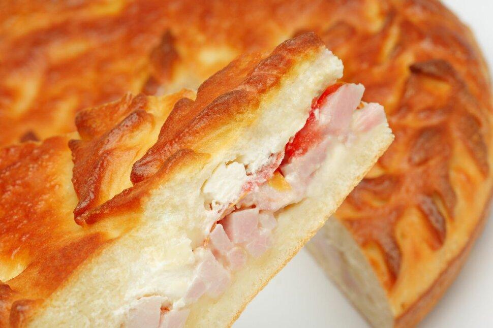 Пирог с ветчиной и сыром Все любят ветчину и сыр! Эти продукты отлично сочетаются между собой, поэтому этот сытный пир..