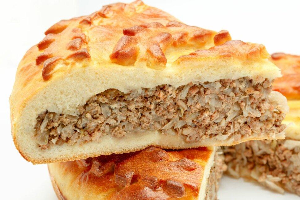 Пирог с говядиной и луком  Сытный пирог с начинкой из свежайшей говядины (мясо молодых бычков) для тех, кто по настоящ..
