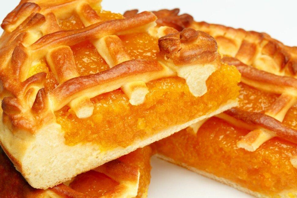 Пирог с курагой   Вкусный, сладкий пирог с курагой. А как много полезного содержит курага: оказывает положительный эфф..