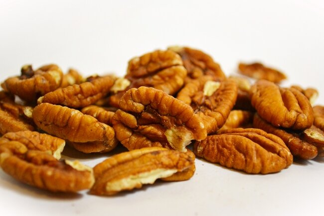 Пекан очищенный (сырой)  Орех пекан – не просто превосходный заменитель животного белка, в нем намного больше полезных..